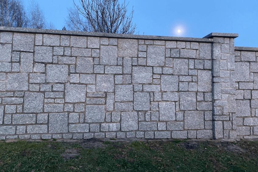 Kamień murowy granitowy
